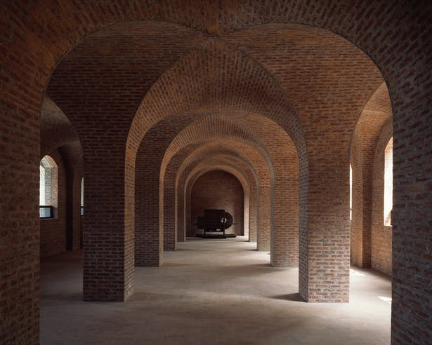Cross vaults of coffee storage space © Chen Hao