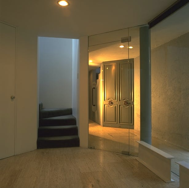 Foyer.
