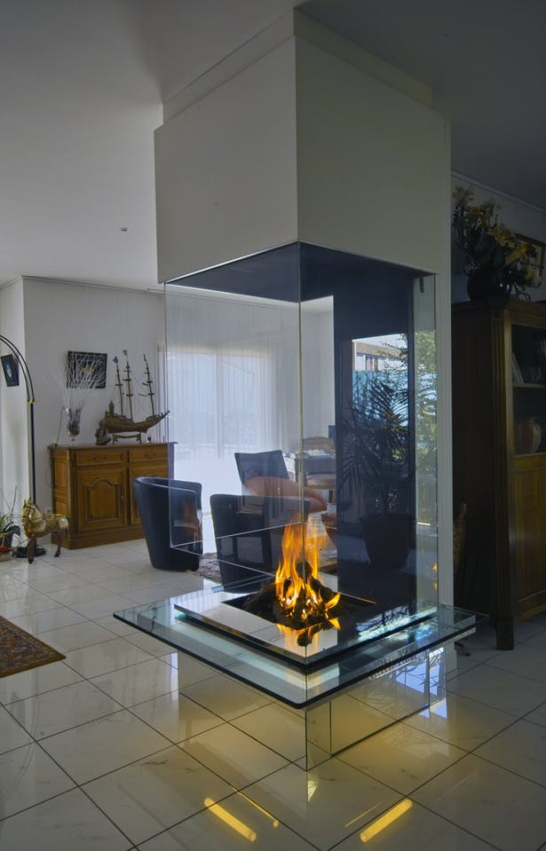Bloch Design fireplace 2