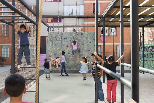 "OVERALL WINNER: Rozana Montiel - Estudio de Arquitectura and Alin V. Wallach, ""Common Unit"". Photo: Jaime Navarro."