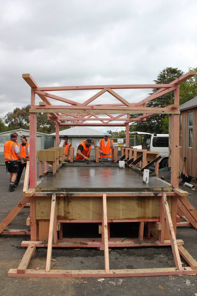 Constructing the temporary roof for the slab