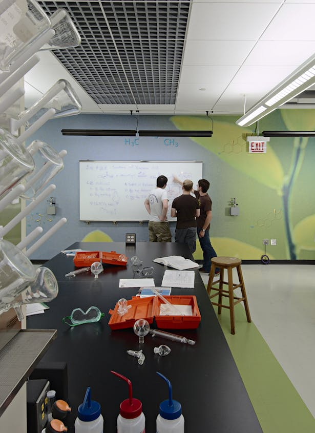 "Georgia Technical College >> Northwestern University Organic ""Green Chemistry"" Laboratory Renovation 