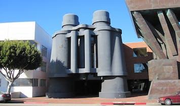 Google to open campus in Frank Gehry's Binoculars