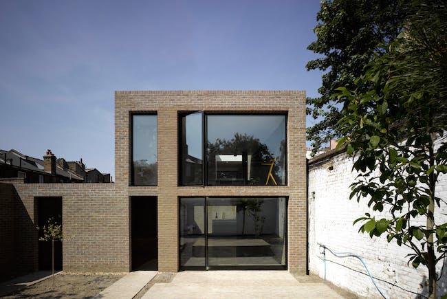 Kings Grove, London SE15 (private house) by Duggan Morris Architects (Photo: Edmund Sumner)