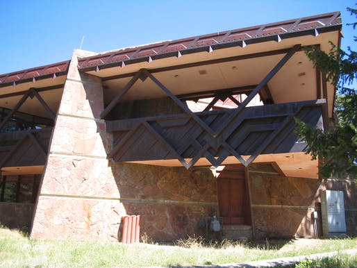 """The Beaver Meadows Visitor Center at Rocky Mountain National Park. Image courtesy of <a href=https://commons.wikimedia.org/wiki/File:Beaver_Meadows_Visitor_Center_2.jpg"""">Wikimedia </a>"""