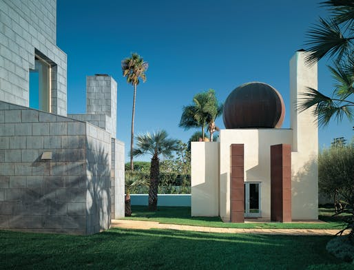 Schnabel House. Frank Gehry. All photos © Tim Street-Porter