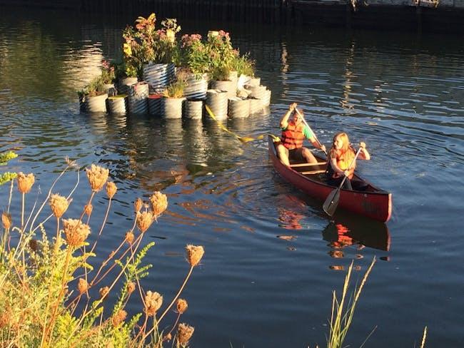GrowOnUs Floating Landscape in the Gowanus Canal. Image: Balmori.com