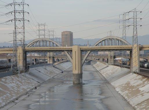 The old Sixth Street Bridge. Image via flickr.