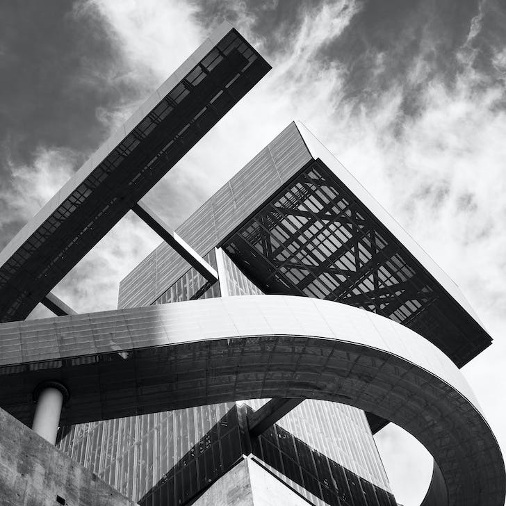 RAMON C CORTINES SCHOOL OF VISUAL AND PERFORMING ARTS. Image © Miguel Rodriguez