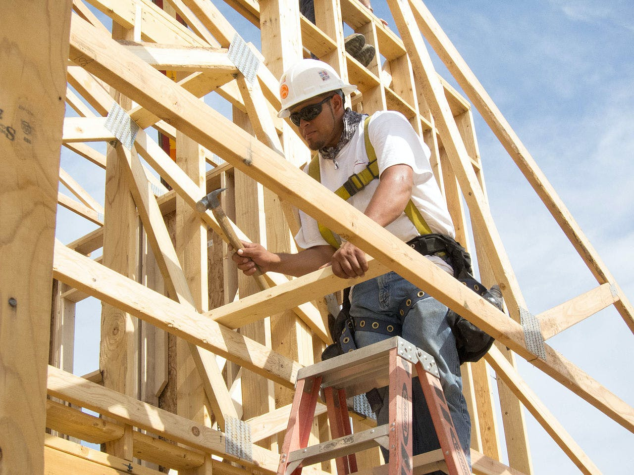 As U S  construction industry struggles to attract new