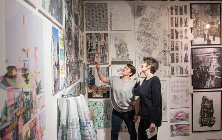 Professor Laura Allen shows Liz Diller the work of her students at The Bartlett Summer Show. Credit: Richard Stonehouse