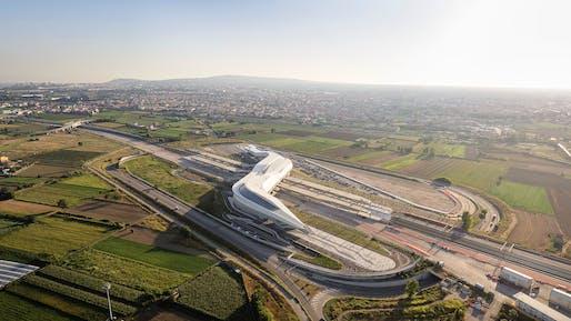 Napoli Afragola high-speed railway station by Zaha Hadid Architects. Photo © Hufton + Crow.
