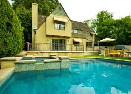 San Marino Pool