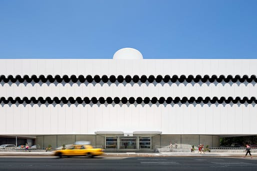 Oct 2: Lenox Health Greenwich Village, Original Architect: Albert Ledner, 1964, Renovation Architect: Perkins Eastman, 2015, Photo: Chris Cooper, Courtesy Perkins Eastman.