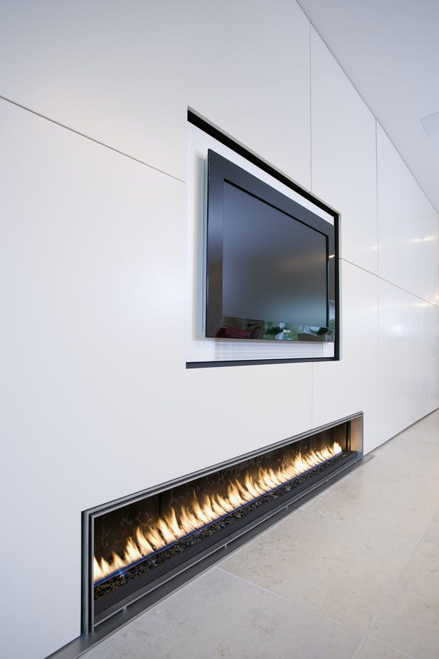 Bloch Design linear fireplace 1