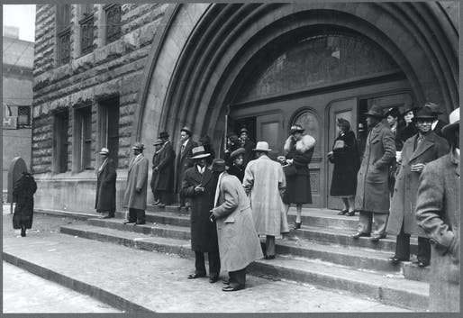Easter Sunday at Pilgrim Baptist Church (c. 1941), photo by Lee Russell (courtesy of Library of Congress). Courtesy of Harvard GSD.