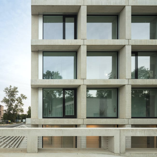 Institut des Sciences Moléculaires d'Orsay (ISMO) by KAAN Architecten, located in Orsay, FR. © Fernando-Guerra