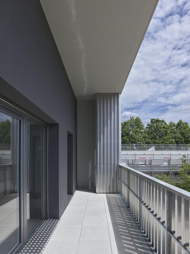 terrace south facade / photo : S. Chalmeau