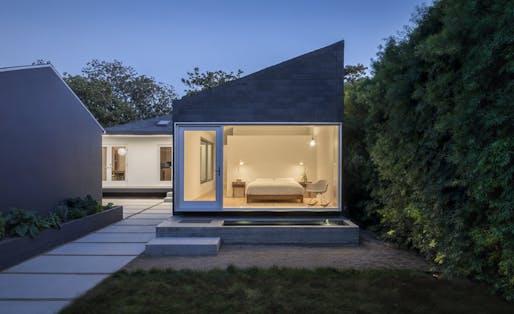 Rear Window House by Edward Ogosta Architecture. Photo: Steve King.