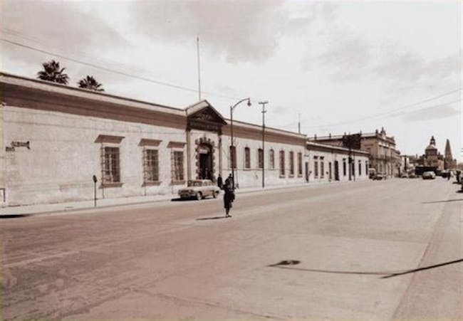 A 1961 photo of the Military Hotel, a former neighboring structure where the project site is. Photo courtesy of CoArq