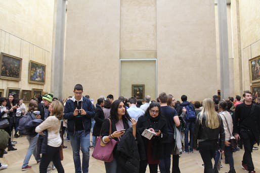 View of the Salle des États, where Leonardo Da VInci's Mona Lisa painting is typically displayed. Image courtesy of Wikimedia user Deror_avi.