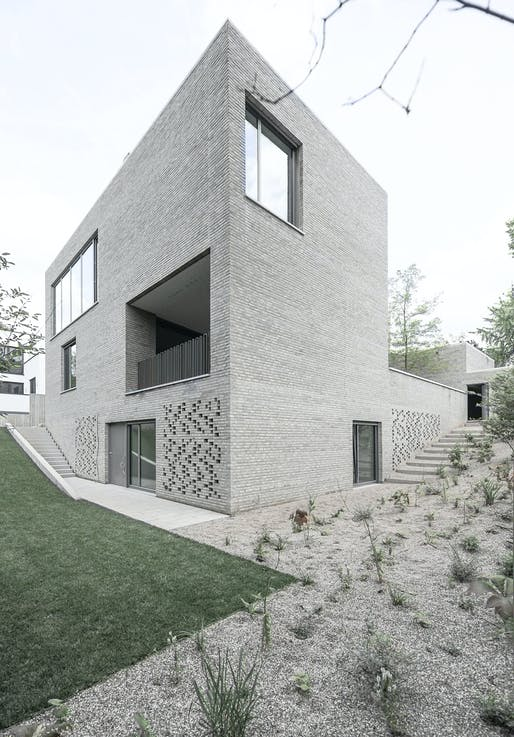 House Z in Frankfurt, Germany by Bayer und Strobel Architekten; Photo: Peter Strobel