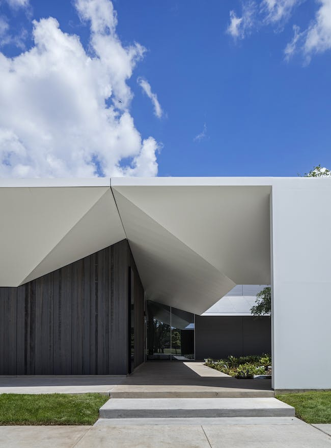 Detail of South Elevation and East Courtyard. Photo: Richard Barnes, courtesy the Menil Collection, Houston.