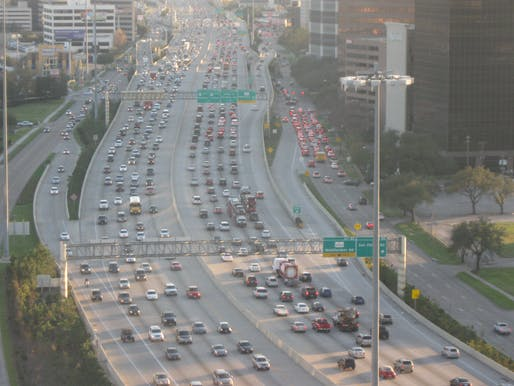 View of the Houston West Loop highway. Image courtesy of Wikimedia user Socrate76.