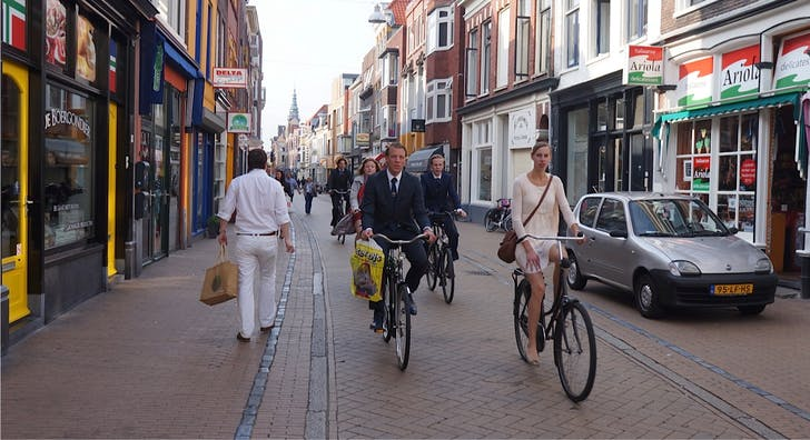 Cyclists in Grongingen, Netherlands. Image via http://www.streetfilms.org/groningen-the-netherlands-the-bicycling-world-of-your-dreams/