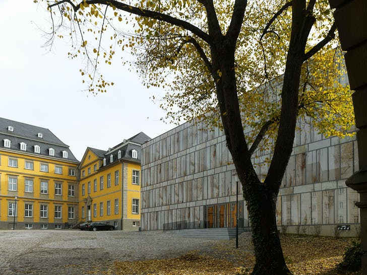 New building with main building of the Folkwang University of the Arts (Photo: Stefan Müller)