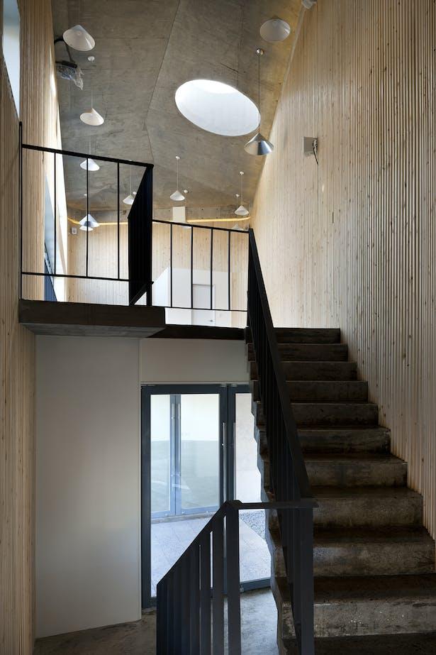 interior image 3