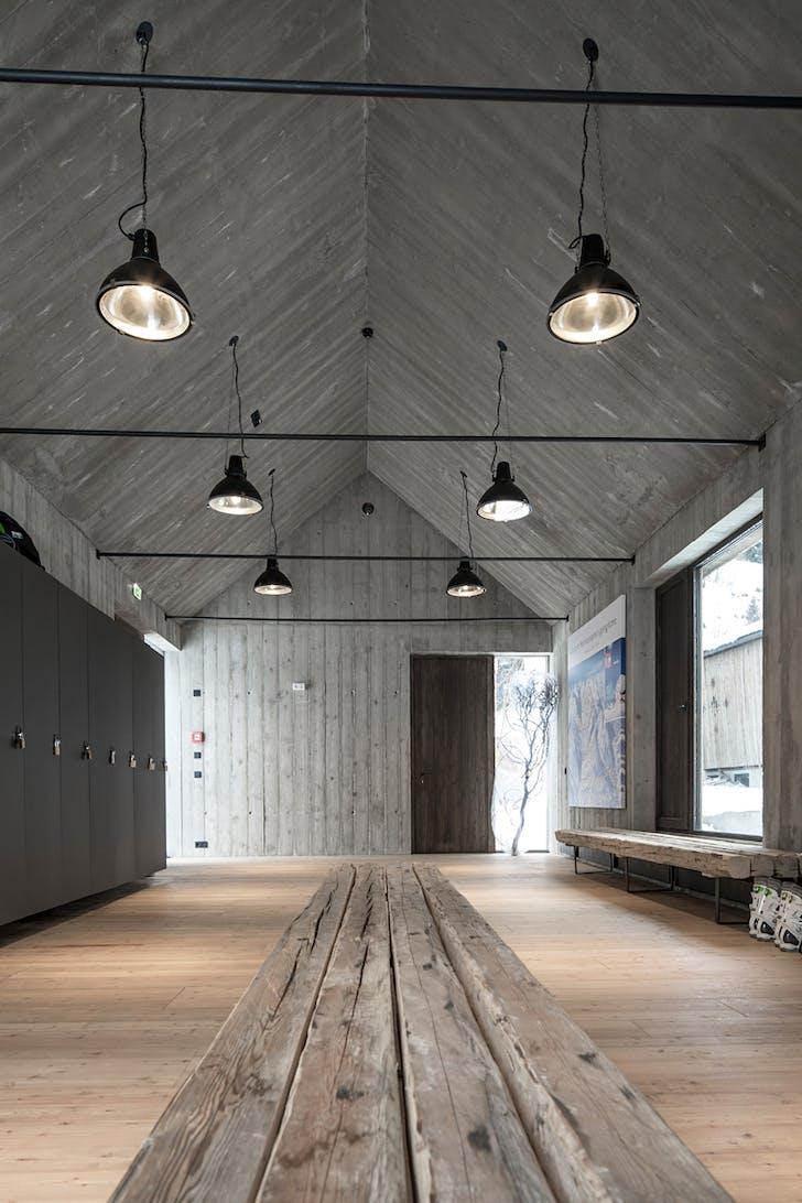 Showcase hotel wiesergut by gogl architekten features for Interior design innsbruck