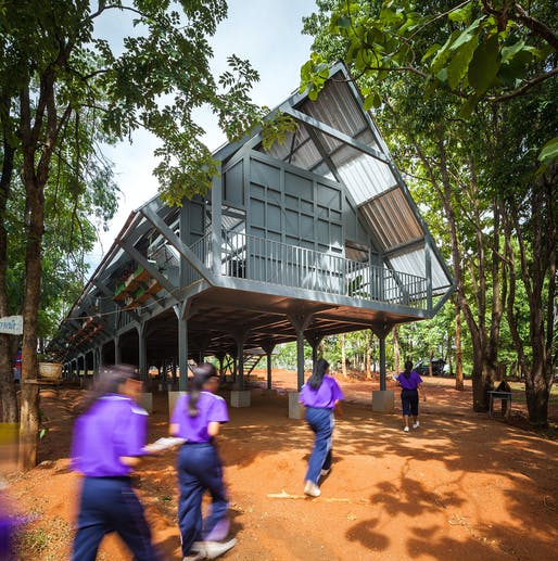 Baan Huay Sarn Yaw - Post Disaster School, Chiang Rai, Thailand by Vin Varavarn Architects. 2015 © Pirak Anurakyawachon