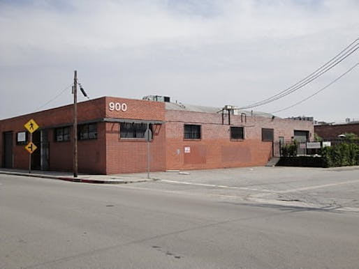 The new, temporary A+D Museum home in DTLA's Arts District. (Image via la.curbed.com)