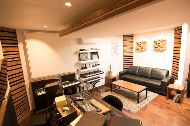 Control Room + Keyboard Wall + Seating