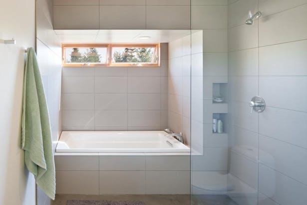 Olympia Prairie Home bathroom