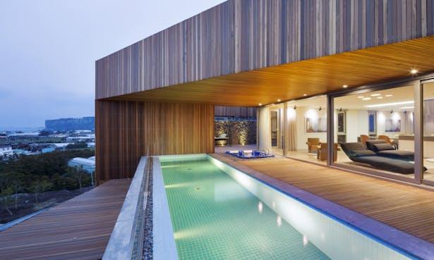 Jeju Bayhill Pool Amp Villa Egoistic Cropping L Eau