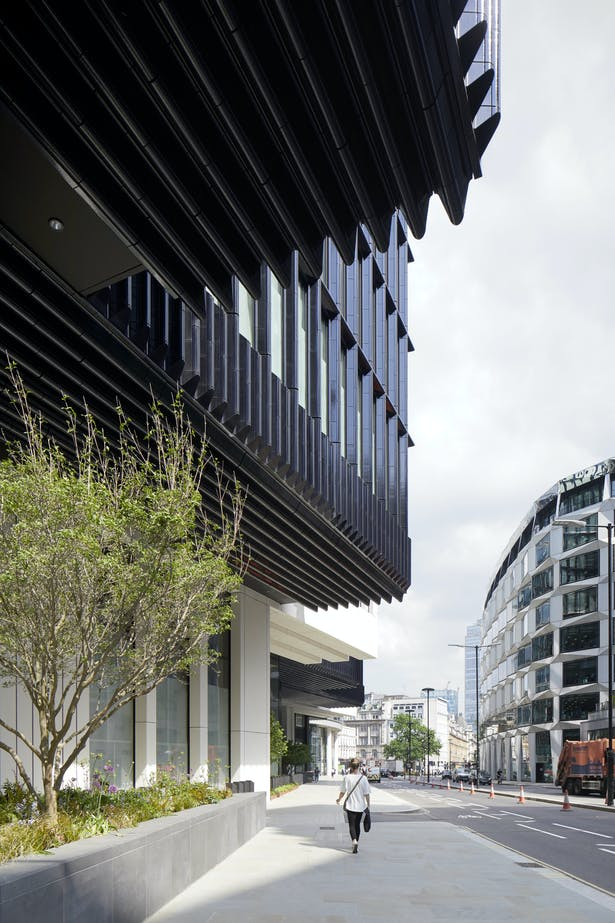 London Wall Place has some of the largest cantilevers in London