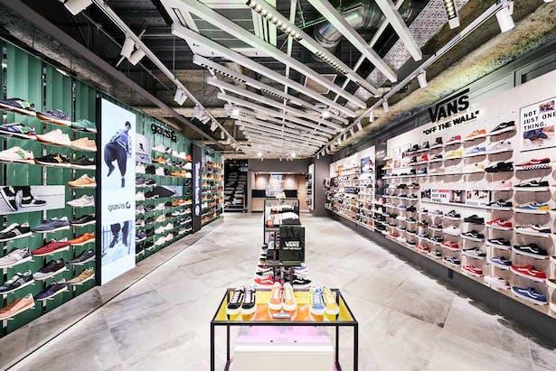 daff4d41c7a Nike ABC Mart Grand Stage, Tokyo, Japan | Oculus Light Studio ...