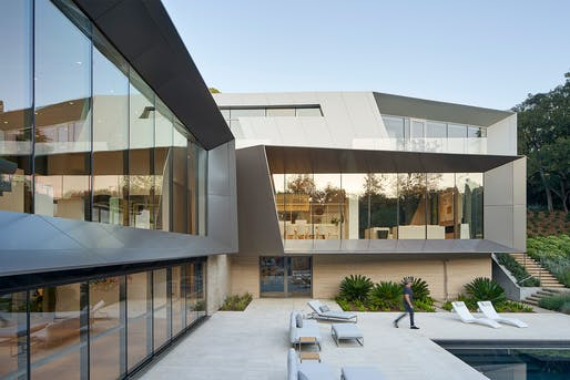 Bridge Residence (Los Angeles, CA) by Belzberg Architects. Photo: Bruce Damonte.