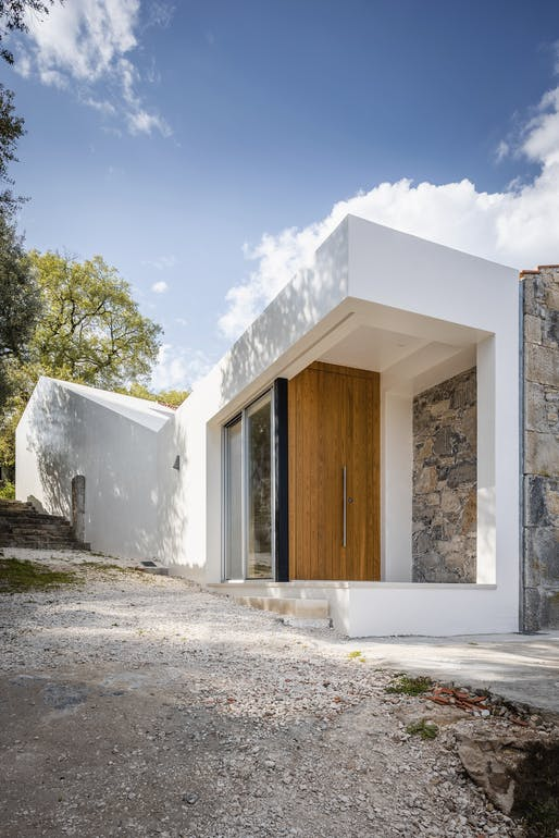 SO House in Porto de Mós, Portugal by Phyd Arquitectura; Photo: emontenegro / architectural photography