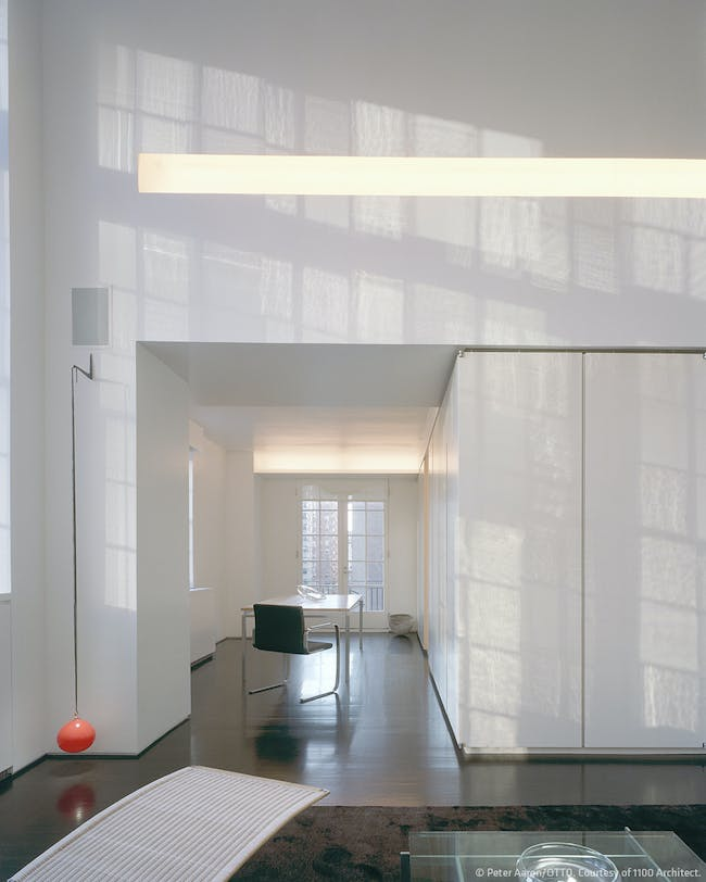 Manhattan Triplex in New York, NY by 1100 Architect; Photo: Peter Aaron/OTTO