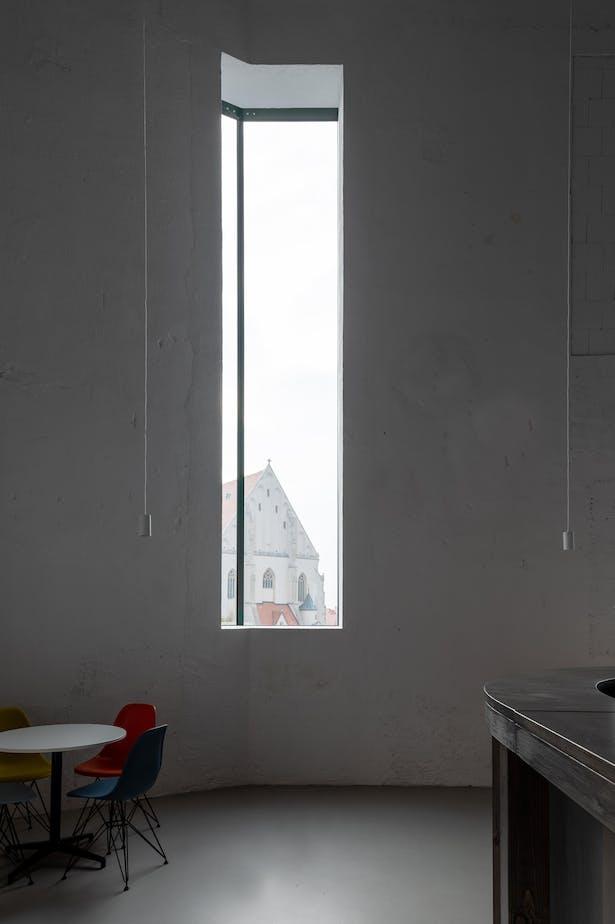 alex shoots buildings