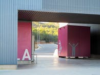 M02HPS - Two prefabricated pavilions
