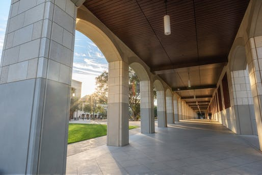Stanford University Quad. Stanford | Engineering department houses the Architectural Design undergraduate program Image © Tamer Shabani