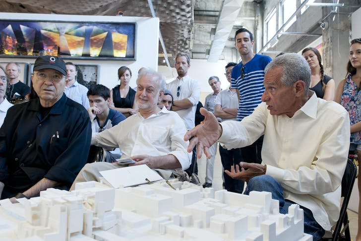 Current Director Eric Owen Moss addresses the critique panel during SCI-Arc's thesis weekend. Image courtesy of SCI-Arc.