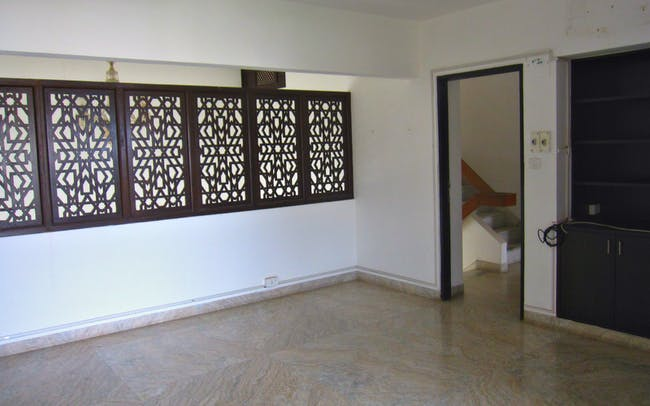Privacy vs. comfort: the latticework separating bedroom from living space