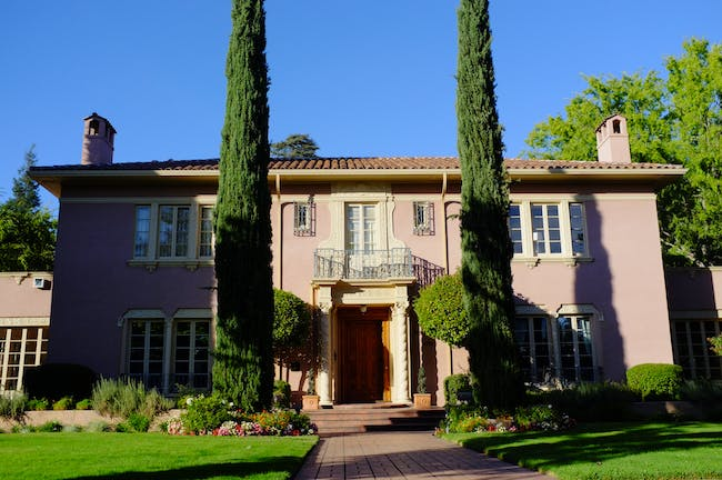 The 'Goethe house' by Julia Morgan, the first female architect licensed in California. Image via wikipedia.org