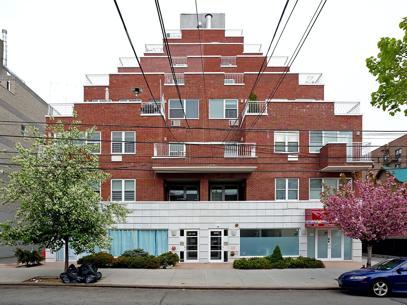 Wedding Cake Condo. Astoria, NY. 2017. Photograph By Rafael Herrin Ferri.  Image Courtesy Of The Architectural League Of New York.