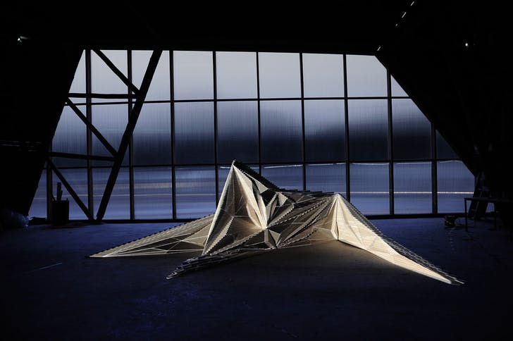 Fallen Star in action / video mapping on the installation (Photo: Architectural Association)
